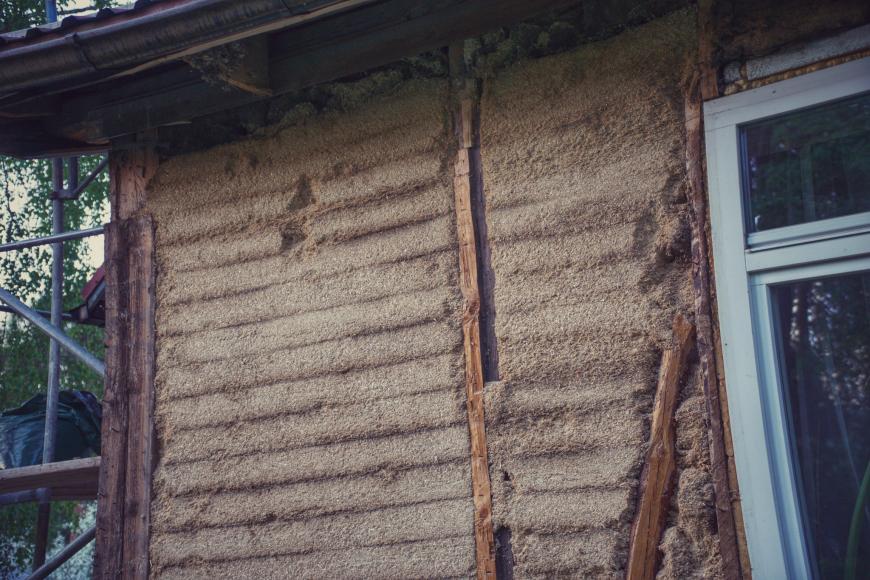 Saepurutäidisega sein