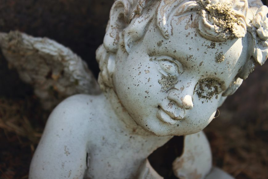 Skulptuur kalmistul